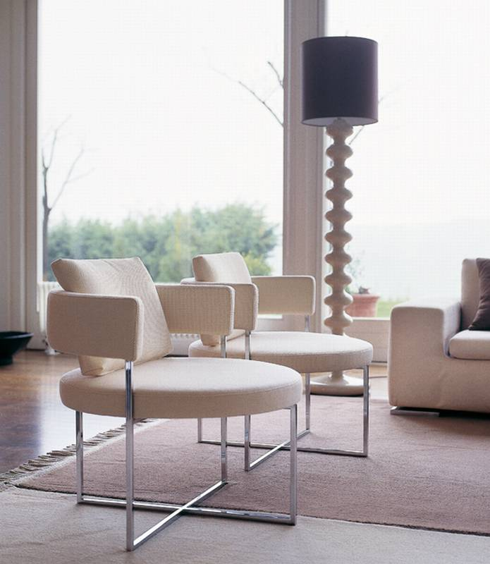 Sirio Armchair from Porada designed by Giuseppe Vigano.
