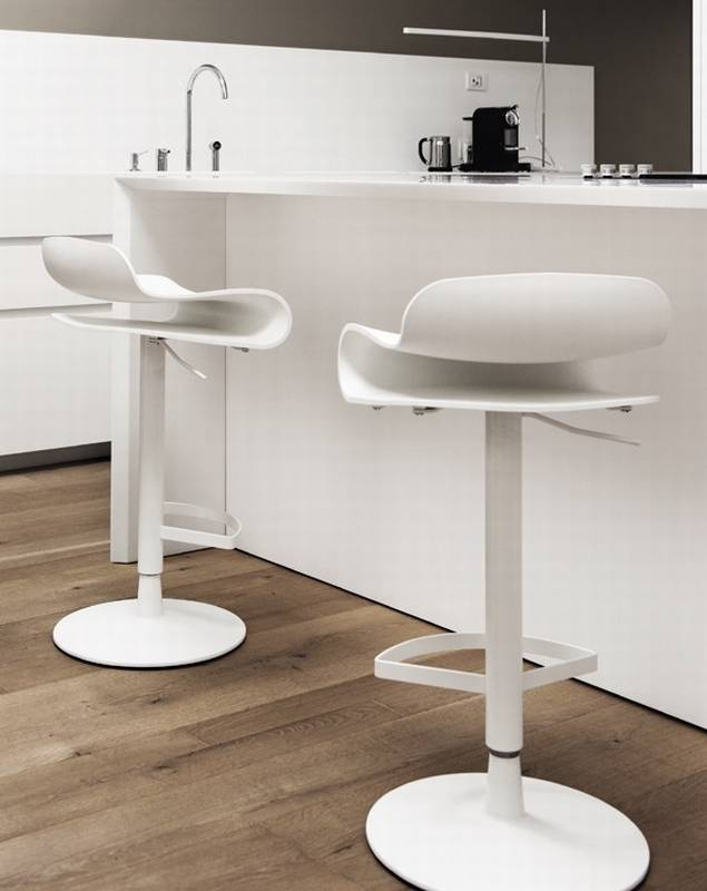 BCN Height Adjustable from Kristalia.
