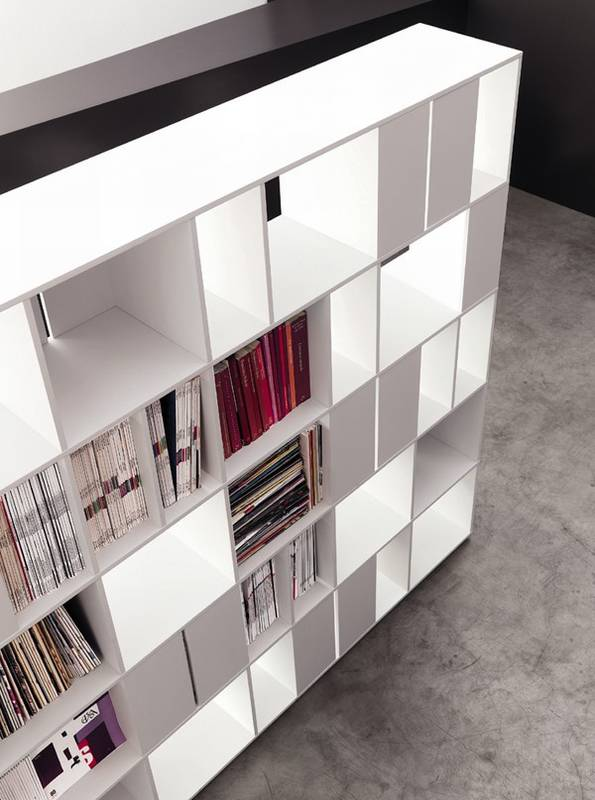 915 Bookcase from Kristalia.