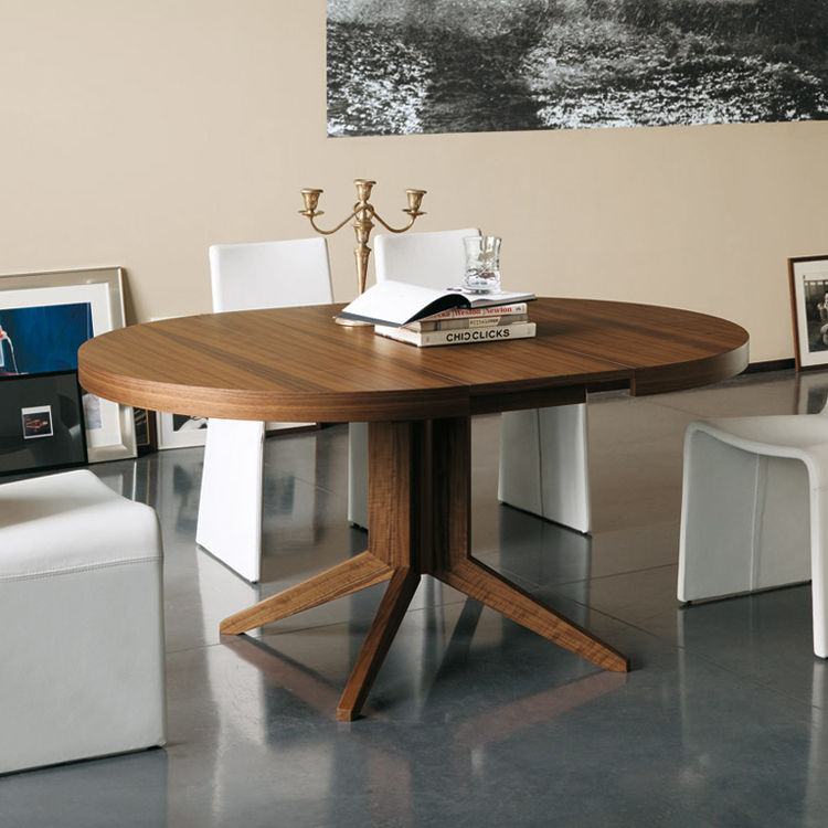 Porada Bryant Round Extending Dining Table