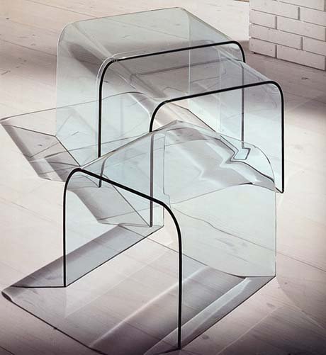 Curvo Tris, end table from Miniforms, designed by I. Bardini