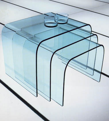 Curvo Tris end table from Miniforms, designed by I. Bardini