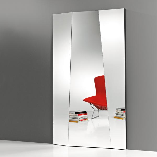 Autostima Grande mirror from Tonelli, designed by Giovanni Tommaso Garattoni