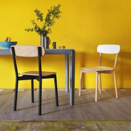 Avia Chairs by Miniforms