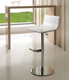 Lift Stool by Trabaldo