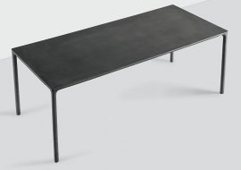 Boiacca Dining Tables by Kristalia