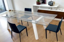 Trick Extending Dining Table by Doimo