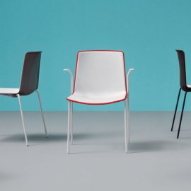 Tweet 895 Chair by Pedrali
