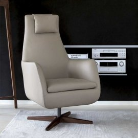 Daisy Girevole Lounge Chair by Porada