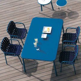 Yard Dining Table (Metal Top) Dining Tables by Emu