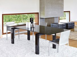 Boma Dining Table by Unico Italia