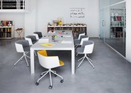 Apta Table by lapalma
