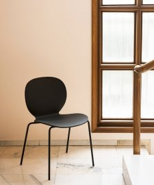 Kelly V Wood Chair Chair by Tacchini