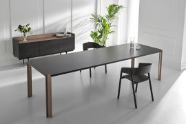 Crossing Dining Table by Punt Mobles