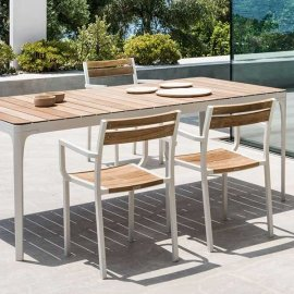 Play Dining Table by Ethimo