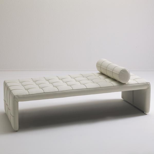 Scarlett 72 lounge chair from Porada, designed by Gino Carollo