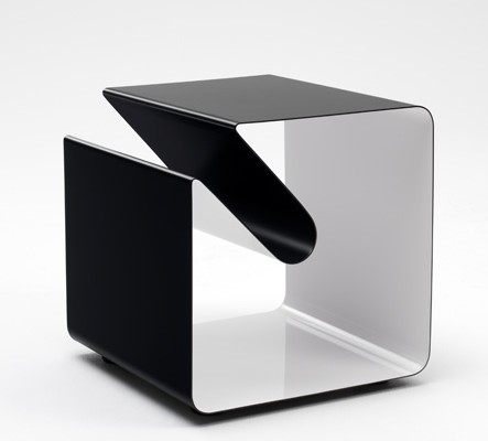 Side Table V44 end from Muller