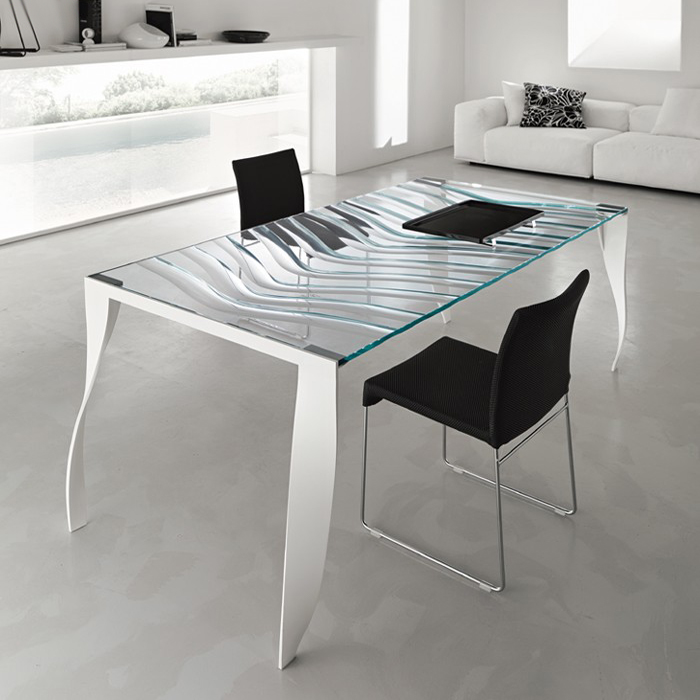 Luz de Luna dining table from Tonelli