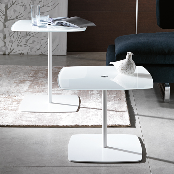 Anemone end table from Tonelli