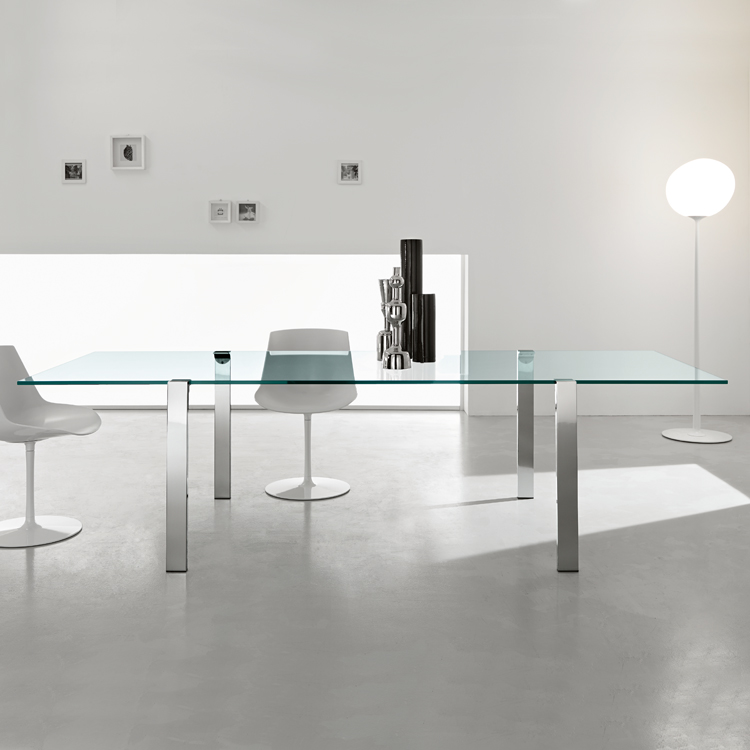 Livingstand dining table from Tonelli, designed by Giulio Mancini