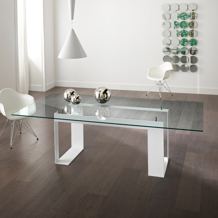 Miles dining table from Tonelli, designed by Giulio Mancini