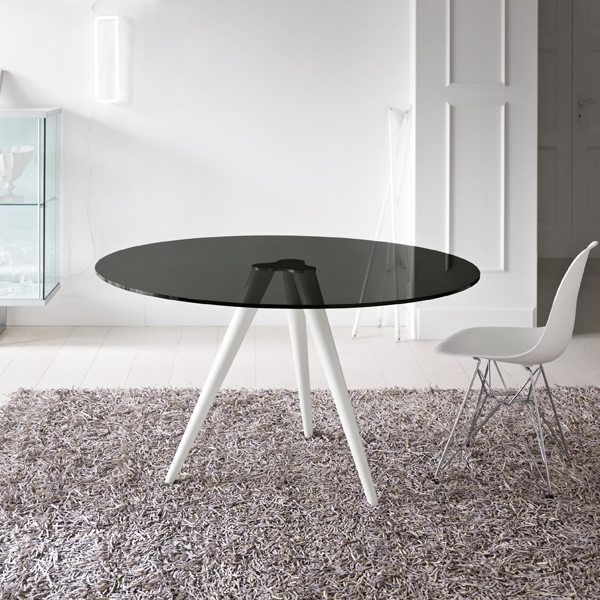 Unity dining table from Tonelli, designed by Karim Rashid