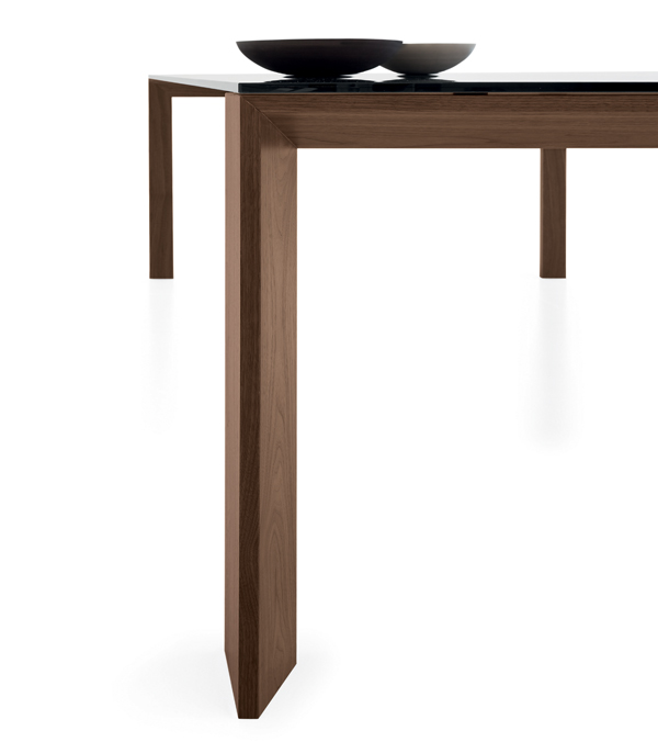 Toronto dining table from Sovet