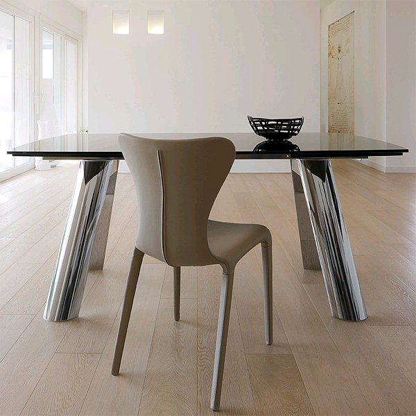 Infinity dining table from Antonello Italia, designed by Gino Carollo