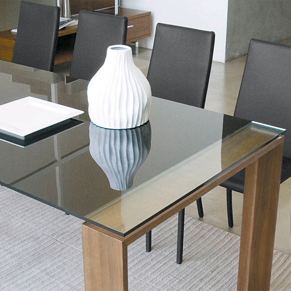 Liko dining table from Antonello Italia, designed by Gino Carollo