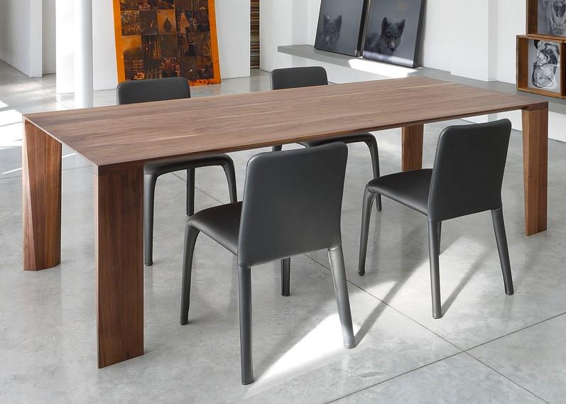 Zen dining table from Trabaldo