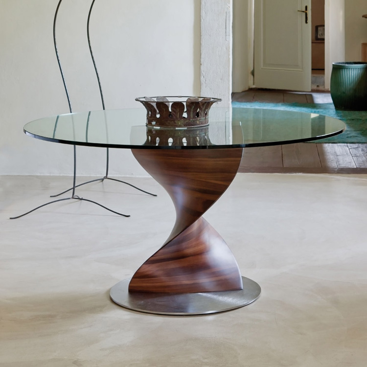 Elika dining table from Porada