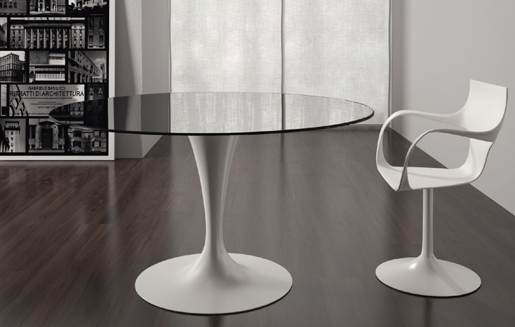 Flute dining table from Sovet