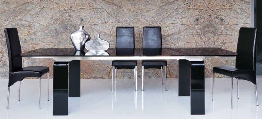 Tecno Extendable dining table from Unico Italia