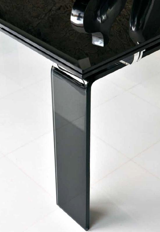 Tecno Extendable dining table from Unico Italia