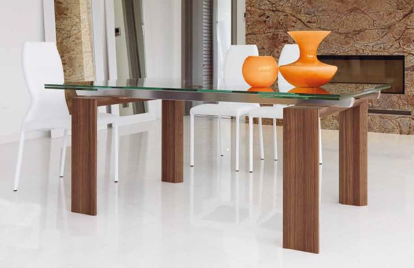Axel Fixed dining table from Unico Italia