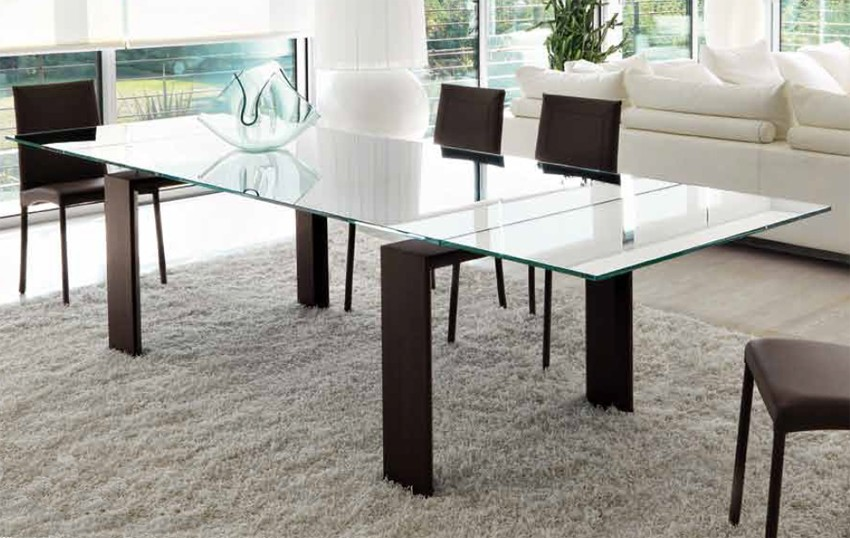 Axel Extendable dining table from Unico Italia