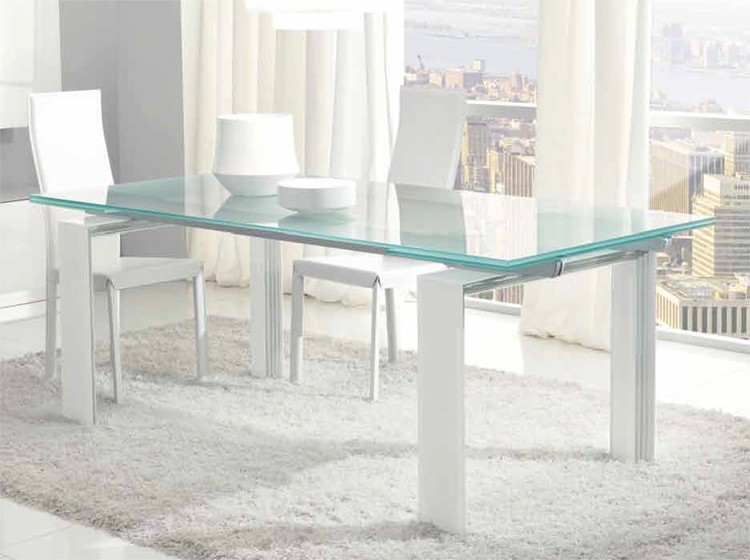 Step Extendable dining table from Unico Italia