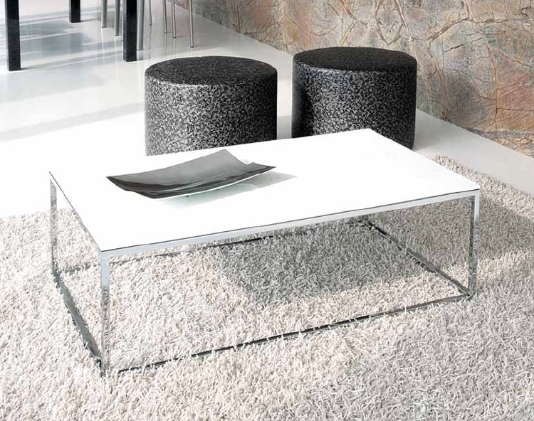 Linear coffee table from Unico Italia