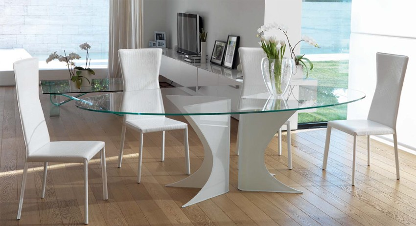 Biali dining table from Unico Italia