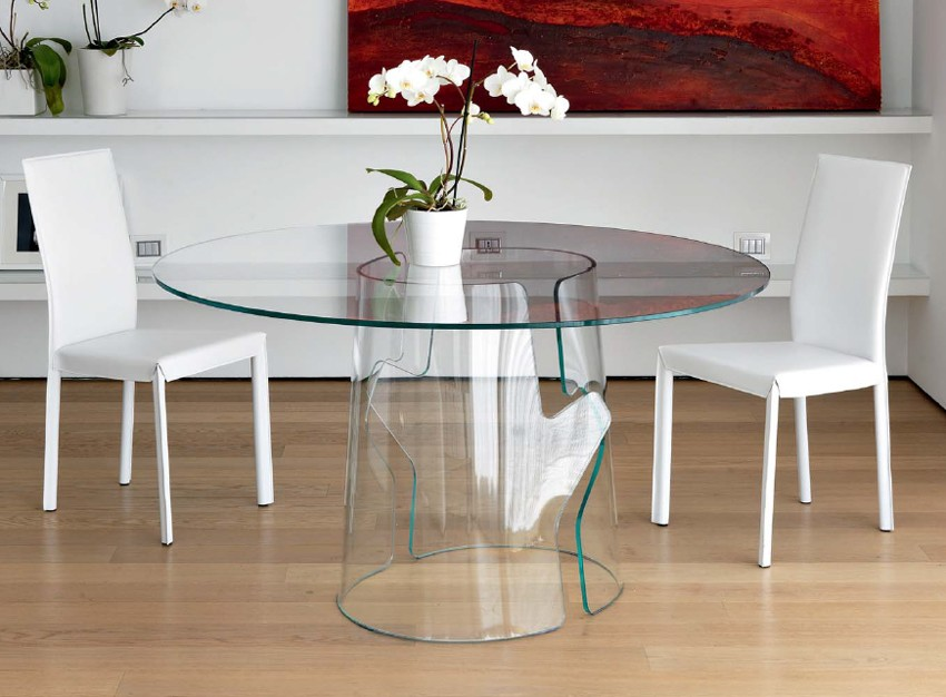 Puzzle dining table from Unico Italia