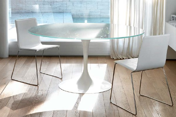 Around dining table from Unico Italia