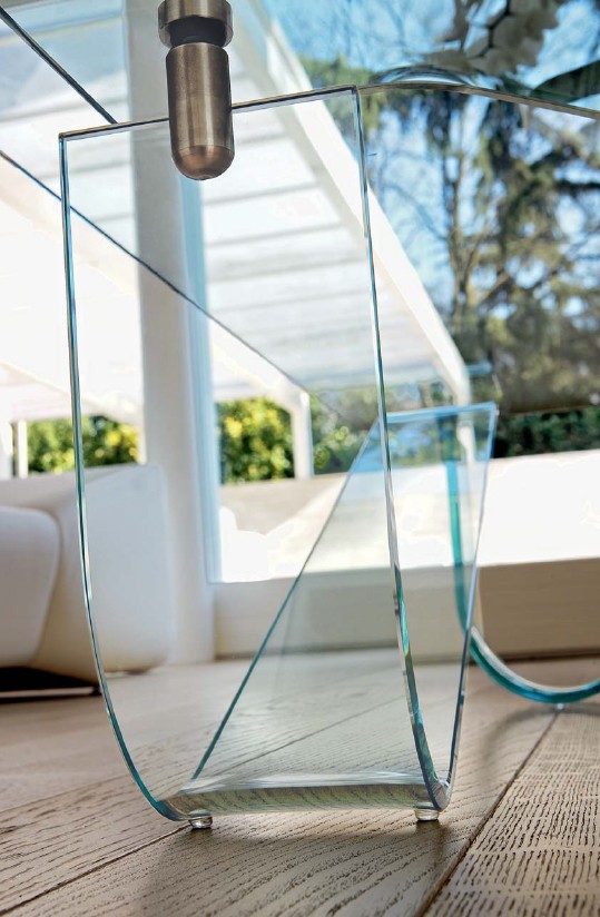 Wind coffee table from Unico Italia