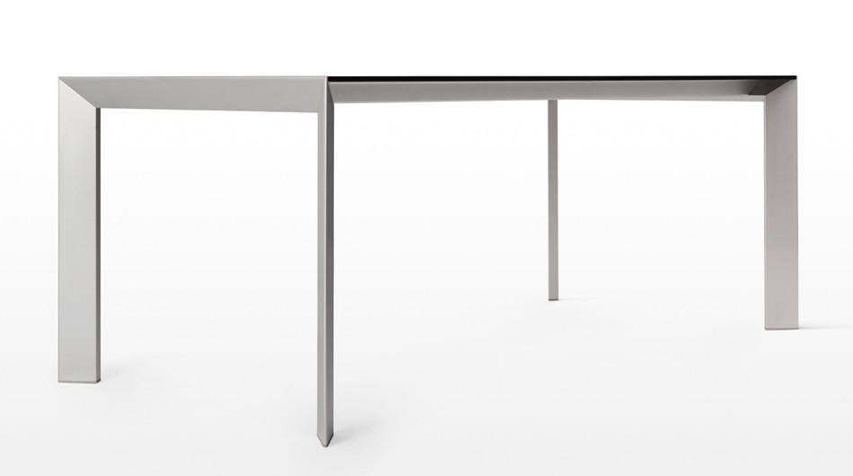 Nori Glass dining table from Kristalia, designed by Bartoli Design