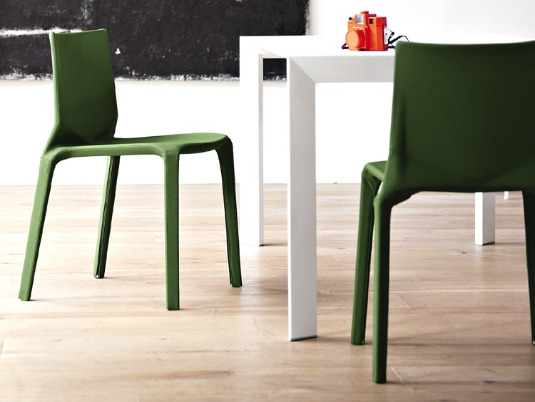 Plana Upholstered chair from Kristalia