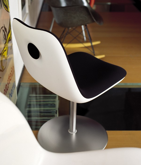 Swivel Boum  chair from Kristalia