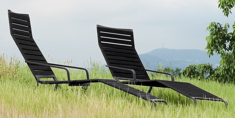 Rest Chaise Longue lounger from Kristalia, designed by Harry-Paul
