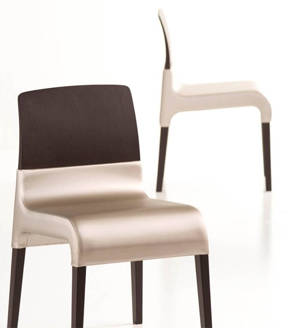 Dress DSS101, chair from Fornasarig
