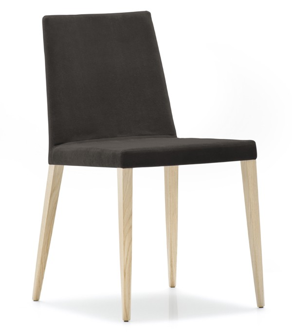 Dress 530 chair from Pedrali, designed by Pedrali R&D