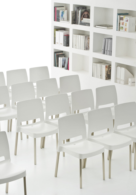 Joi 870 chair from Pedrali, designed by Dondoli and Pocci