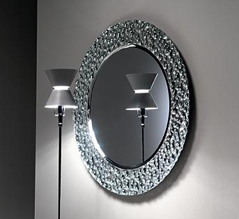 Venus mirror from Fiam, designed by Vittorio Livi